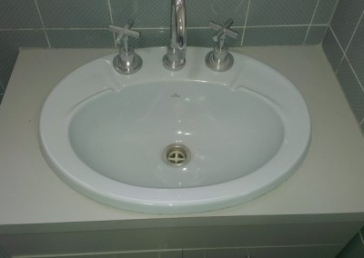 Bathroom Resurface Before