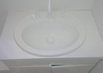Bathroom Resurface Middle