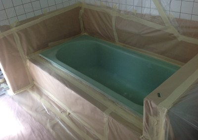 Bathtub Resurface Before